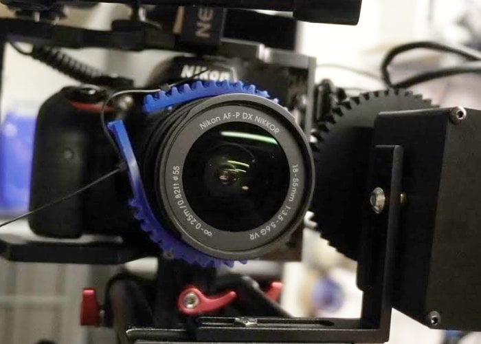 DSLR camera motorised zoom