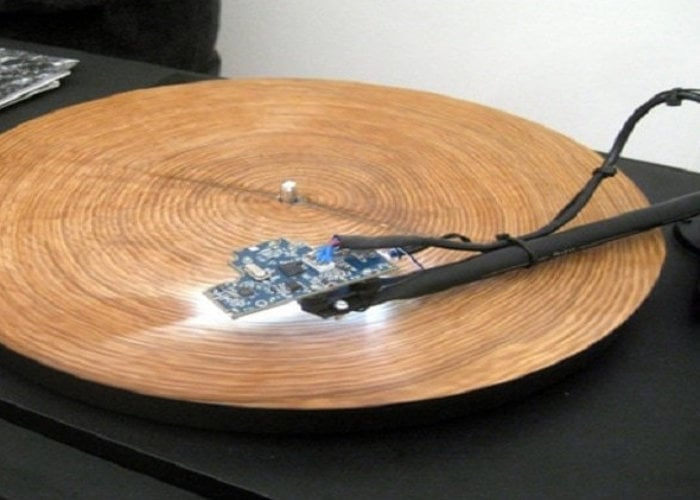 Playing the rings of a tree like a record